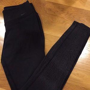 Women's black Nike Dri-fit leggings!!!